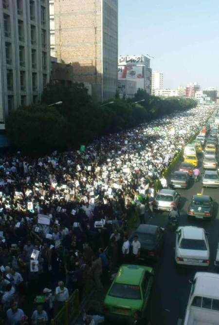 Hundreds of thousands protest the fraudulent election in Teheran 6/17/09